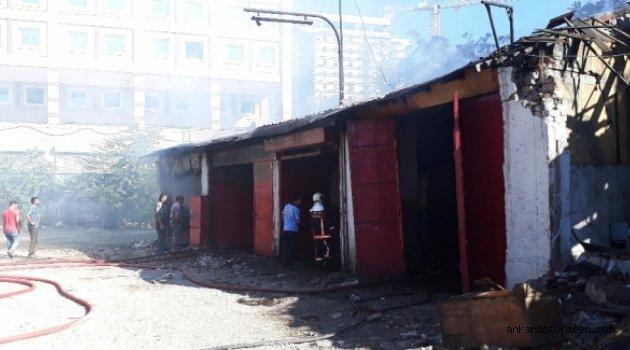 İskitler Oto sanayi sitesinde  yangın